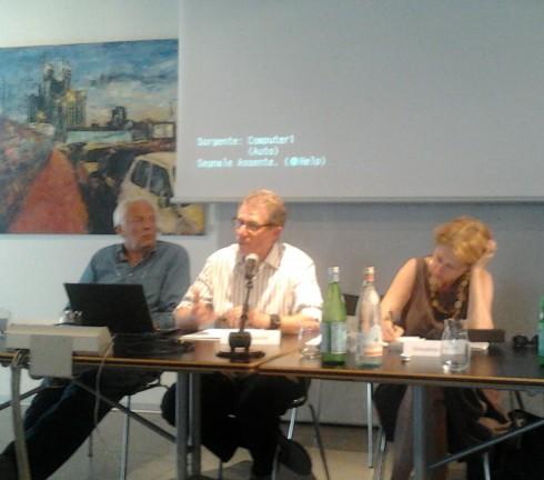Presentazione Cibo Vero: (da sinistra) Piero Sardo (Slow Food), Lucio Cavazzoni (Alce Nero), Giovanna Zucconi (giornalista)