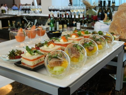 "Aperitivo: finger food ""free style"" by Il Canneto"