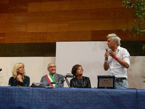 La premiazione dello chef Andrea Mainardi (in piedi a dx)