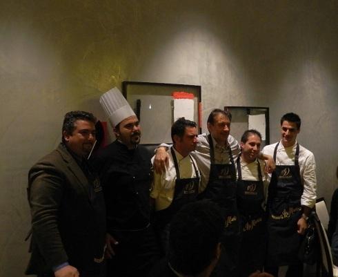 Carlo Vischi con tutti gli chef e con Giuseppe Di Martino (primo a sx)