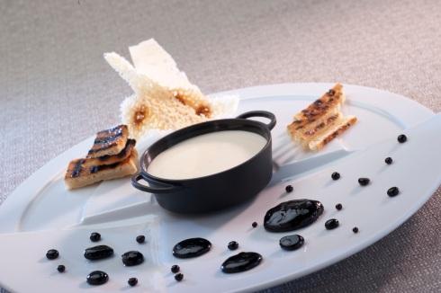 Zuppa invernale: Crema di Parmigiano e Caramelle all'Aceto Balsamico