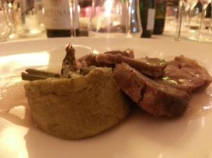 Agnello con tortino di asparagi dal cuore di gorgonzola