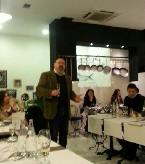 Un momento della cena narrata all'Antica Focacceria San Francesco di Milano
