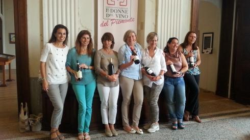 Alcune esponenti dellassociazione Donne del Vino del Piemonte
