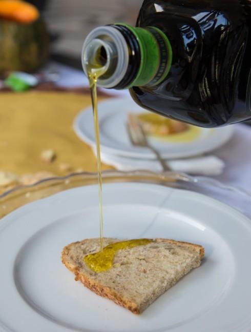 Pane e olio, una delle merende più buon edi sempre